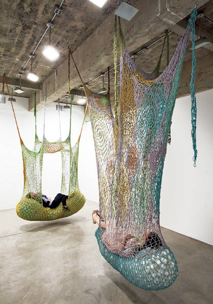 crochet-art-installation-neto